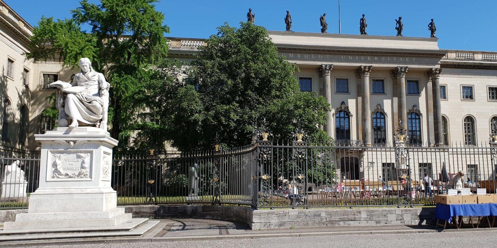 Humboldt Statue vor Universit�t