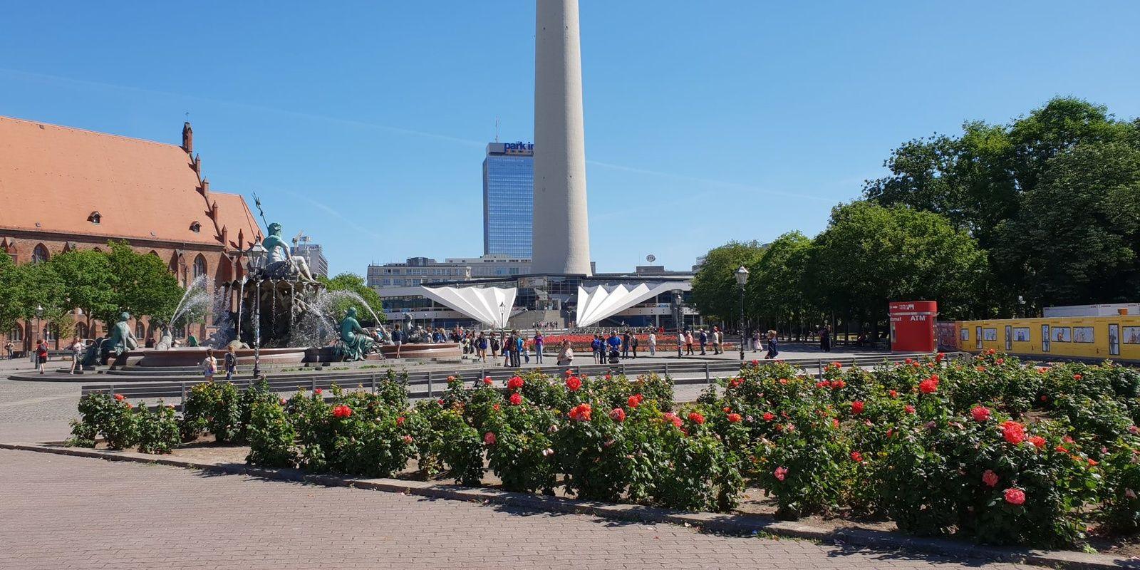 Platz vor dem Fernsehturm